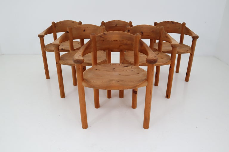 Wonderful set of six very sculptural dining room chairs in Pine wood by Swedish designer Rainer Daumiller, manufactured by Hirtshalls Sawmills. Notice the beautifully carved organic lines of the seats and the general natural feel of the grained