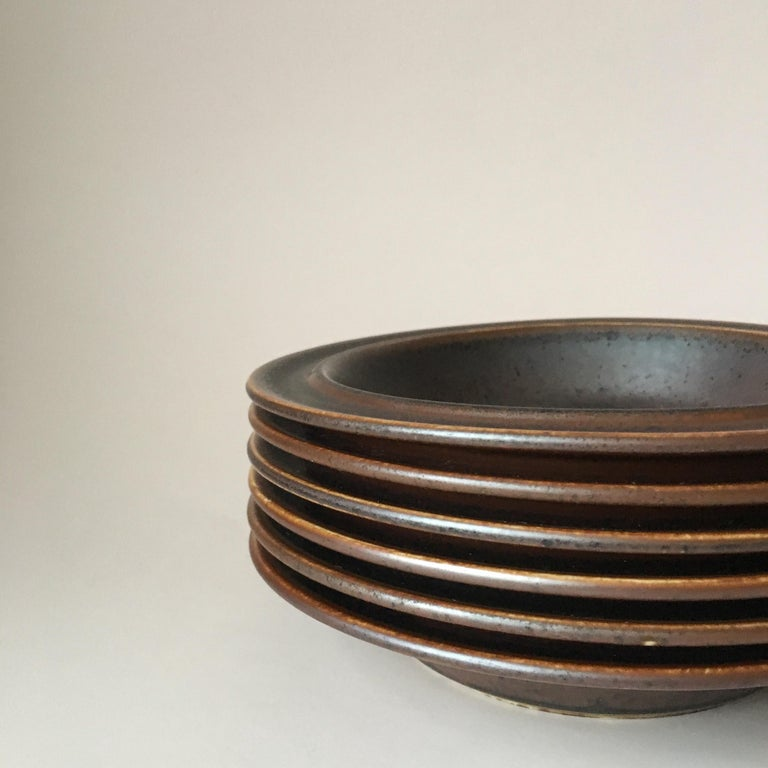 Scandinavian Modern  Six Midcentury Ruska Stoneware Cereal or Soup Plates from Arabia, Finland For Sale
