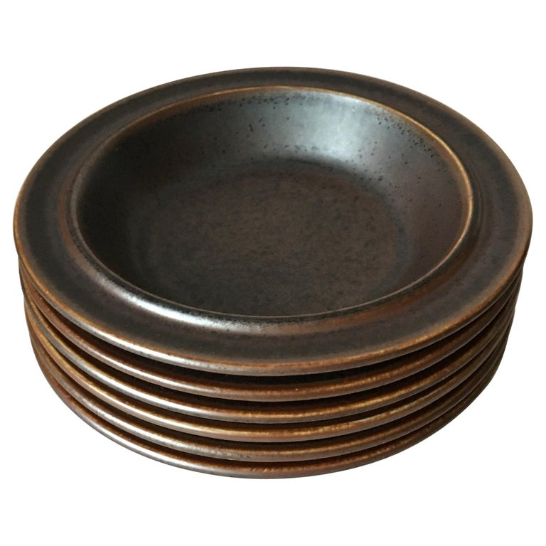 Six Midcentury Ruska Stoneware Cereal or Soup Plates from Arabia, Finland For Sale