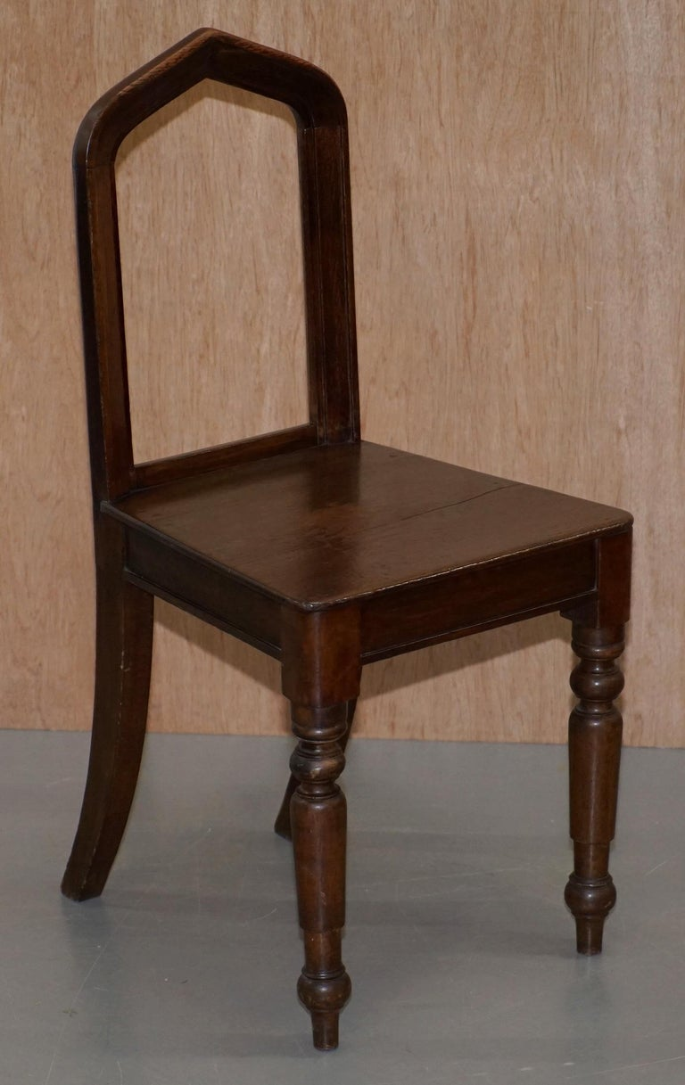 Six Original Victorian circa 1890 Steeple Back Gothic Arch Oak Dining Chairs 6 For Sale 11