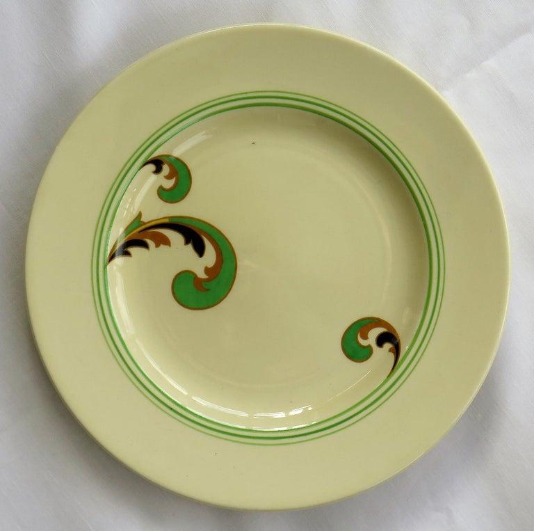 Six Royal Doulton Pottery Side Plates in Lynn Art Deco Pattern D5204, circa 1930 For Sale 4