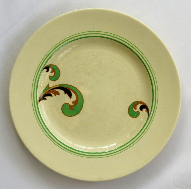 Six Royal Doulton Pottery Side Plates in Lynn Art Deco Pattern D5204, circa 1930 For Sale 5