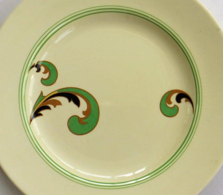 Six Royal Doulton Pottery Side Plates in Lynn Art Deco Pattern D5204, circa 1930 For Sale 7