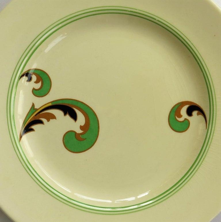 Six Royal Doulton Pottery Side Plates in Lynn Art Deco Pattern D5204, circa 1930 For Sale 8