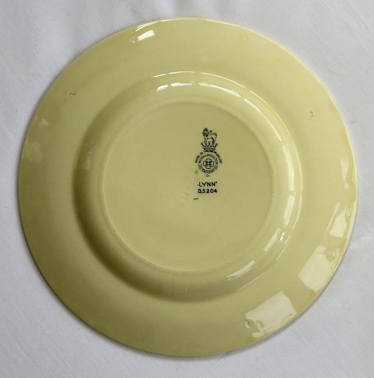 Six Royal Doulton Pottery Side Plates in Lynn Art Deco Pattern D5204, circa 1930 For Sale 11