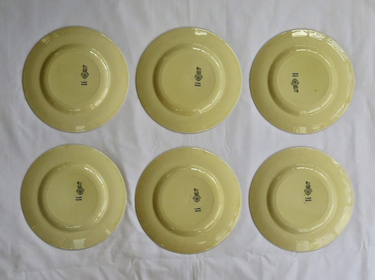 Six Royal Doulton Pottery Side Plates in Lynn Art Deco Pattern D5204, circa 1930 In Good Condition For Sale In Lincoln, Lincolnshire
