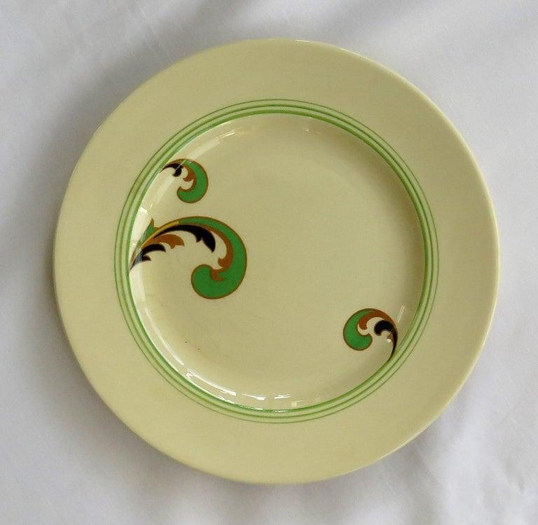 Six Royal Doulton Pottery Side Plates in Lynn Art Deco Pattern D5204, circa 1930 For Sale 1