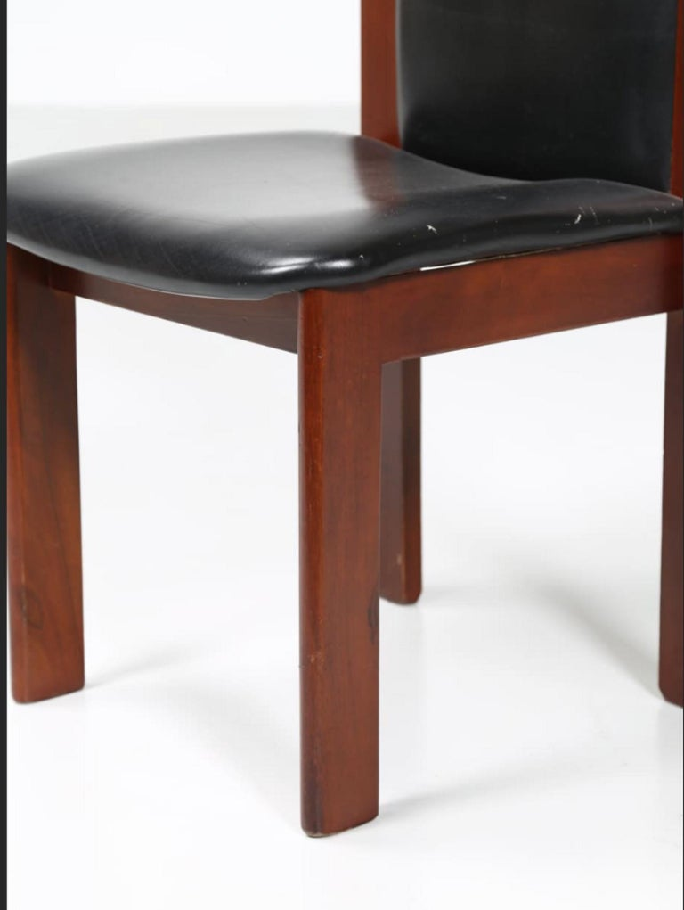 Six chairs by Coppola is an original design work realized by Silvio Coppola in the 1960s.
