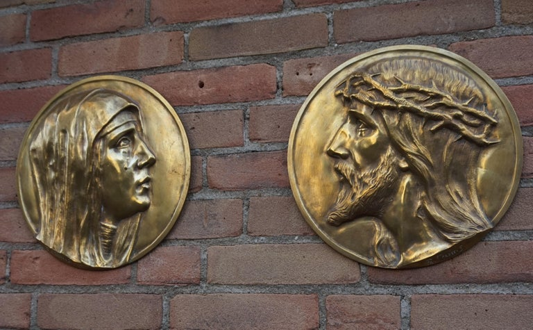 Belgian Sizable Pair of Jesus & Mary Bronze Wall Plaque Sculptures by Francis Corbeels For Sale