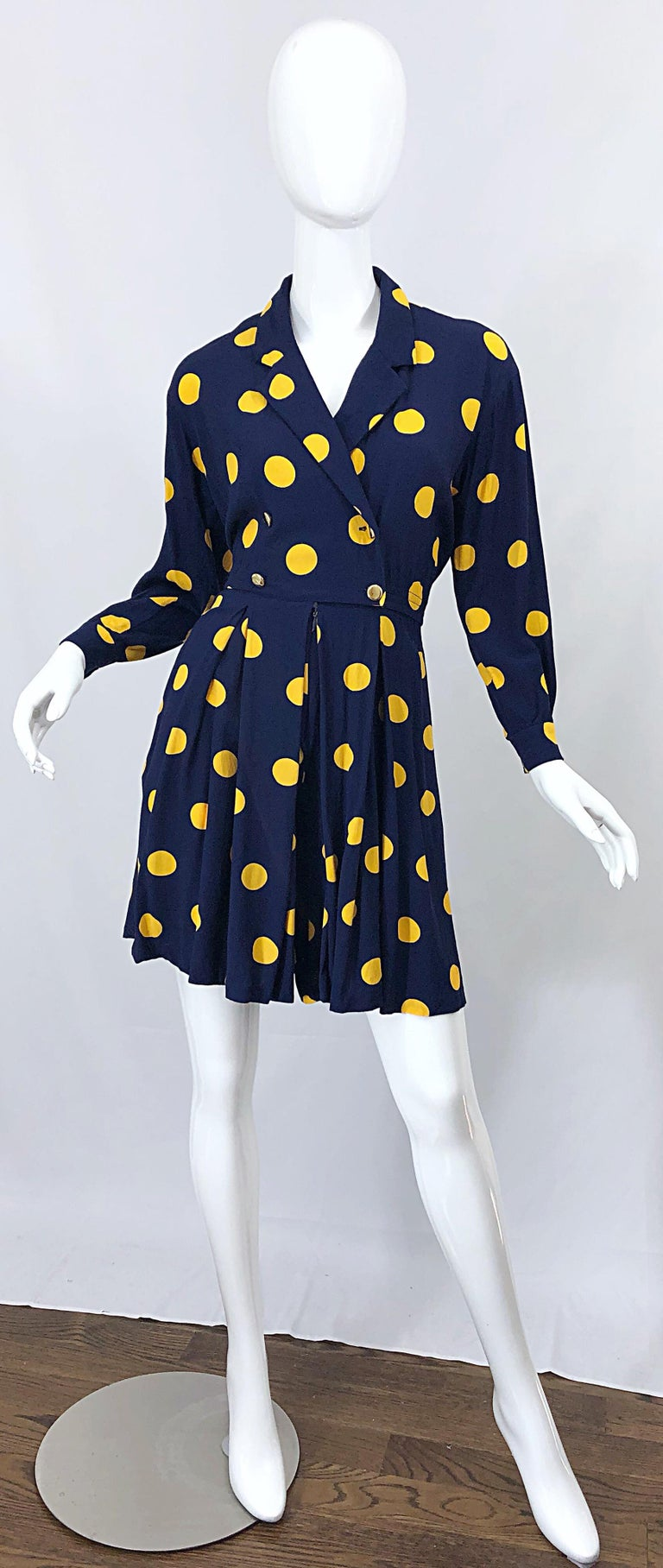 Women's Size 8 Romper Late 1980s Navy Blue and Yellow Polka Dot 80s Vintage Romper For Sale