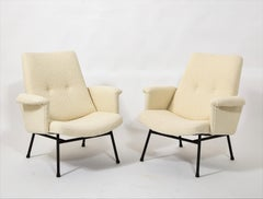 SK660 Armchairs by Pierre Guariche in Cream Bouclé, France, 1960's