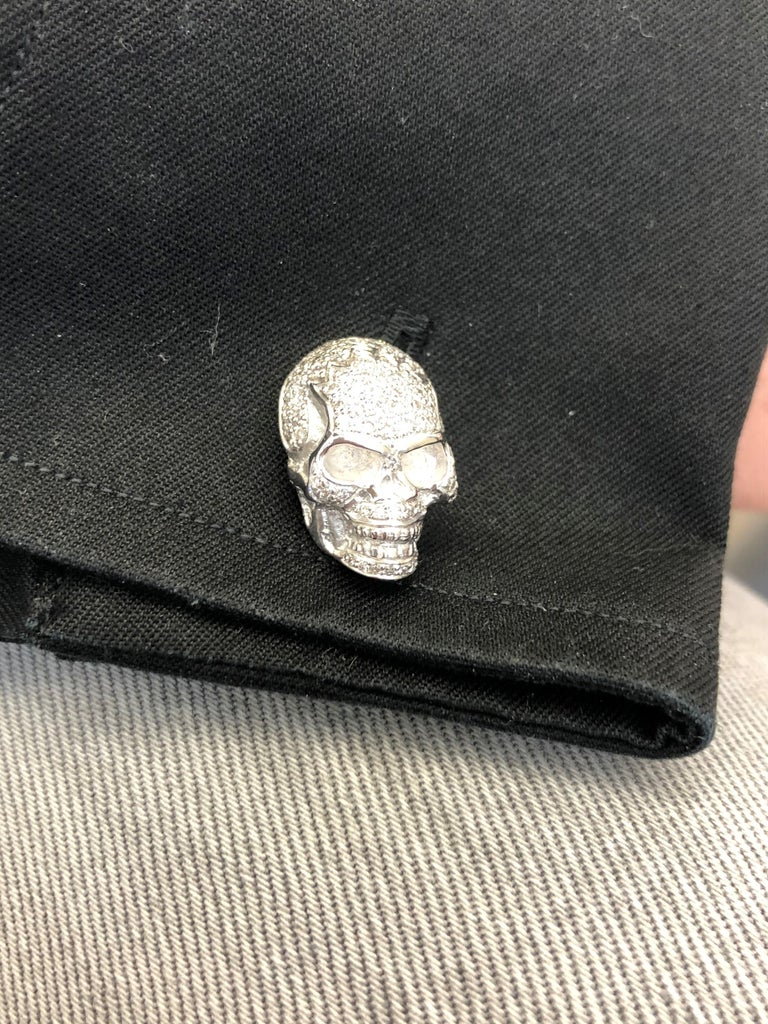 Skull Cufflinks with Diamonds in 18 Karat White Gold For Sale 7