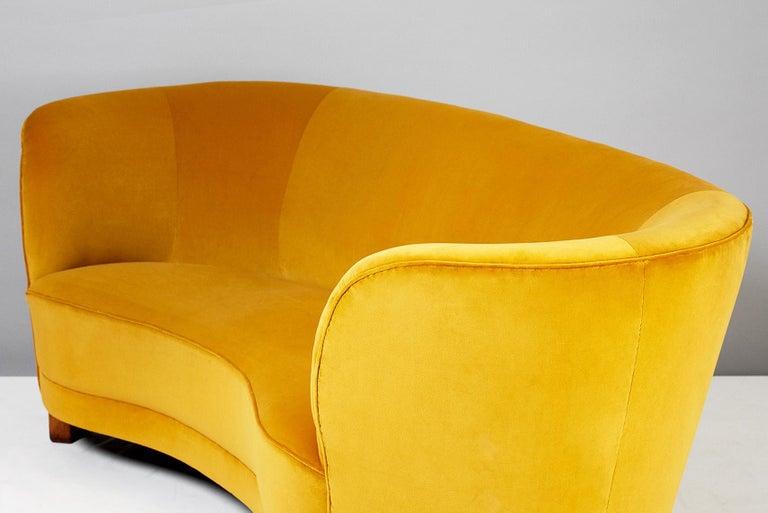 Scandinavian Modern Slagelse Mobelvaerk 1950s Curved Velvet Sofa For Sale