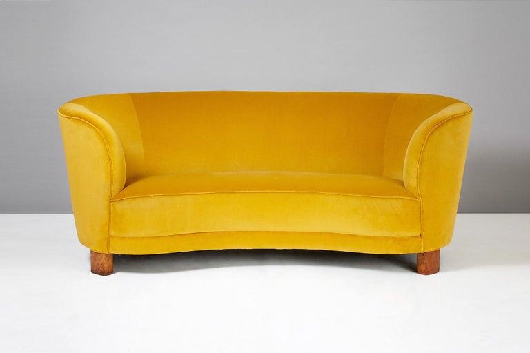 Slagelse Mobelvaerk 1950s Curved Velvet Sofa In Excellent Condition For Sale In London, GB