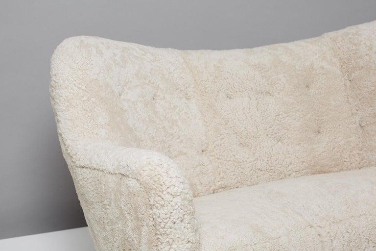 Scandinavian Modern Slagelse Mobelvaerk Model 185 Vintage Sheepskin Sofa For Sale