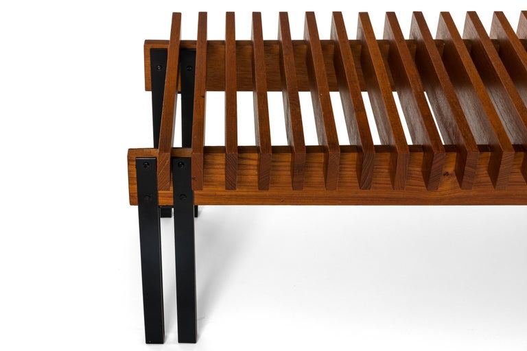 Slatted Teak Bench with Velvet Seats by Inge & Luciano Rubino, Italy, 1960s In Good Condition For Sale In New York, NY
