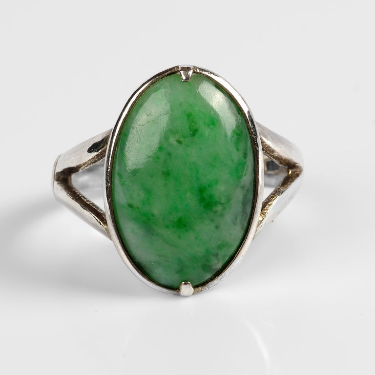 Cabochon Sleek Art Deco Jade Ring Certified Untreated For Sale