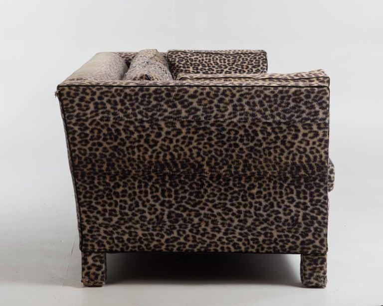 Sleek Mid-Century Modern Moviestar Sofa by Billy Baldwin In Good Condition For Sale In Hopewell, NJ