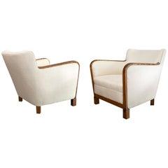 Sleek Pair of Scandinavian Modern Sycamore Chairs