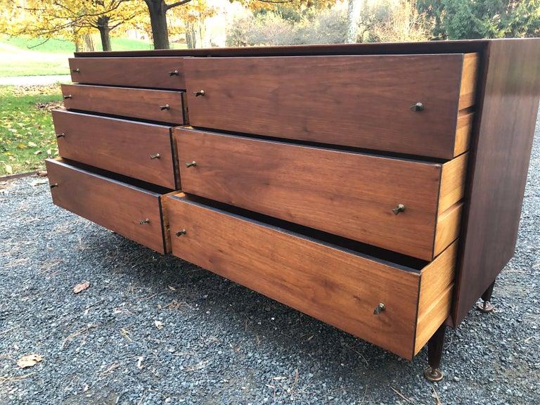 Sleek Walnut Mid-Century Modern Chest of Drawers Credenza For Sale 3