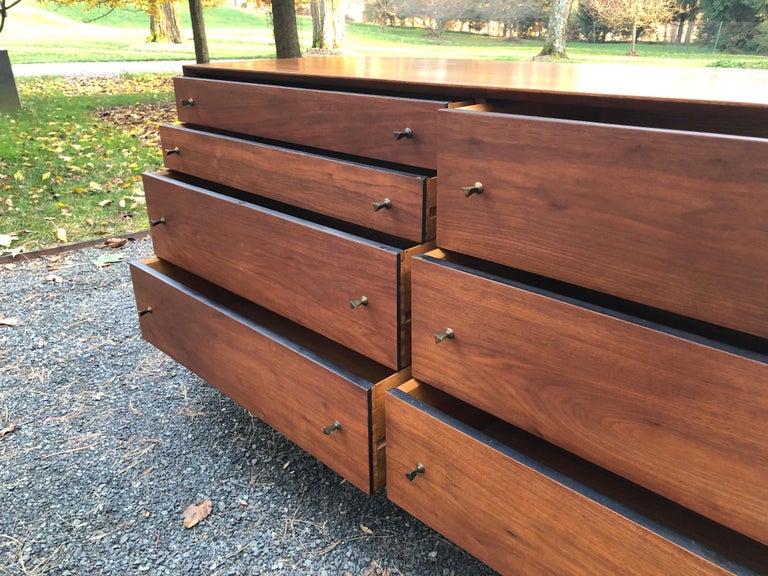 Sleek Walnut Mid-Century Modern Chest of Drawers Credenza For Sale 4