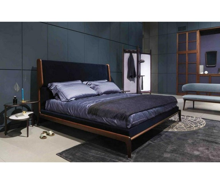 Sleeping Muse Queen Size Walnut Bed by Ceccotti In Excellent Condition For Sale In Boston, MA