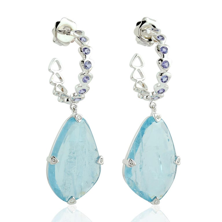 Sliced Aquamarine with Tanzanite Hoop Earring In New Condition For Sale In New York, NY