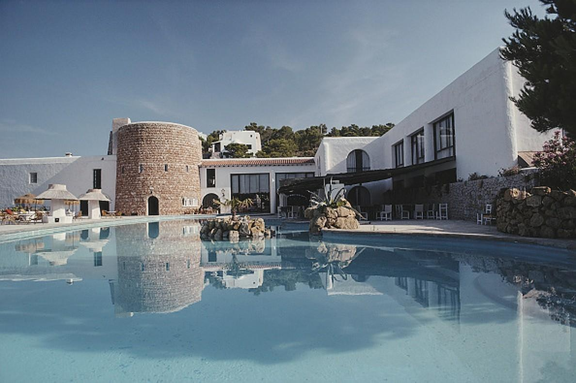 Hotel Hacienda - Slim Aarons, 20th century photography, Ibiza, Travel, Spain