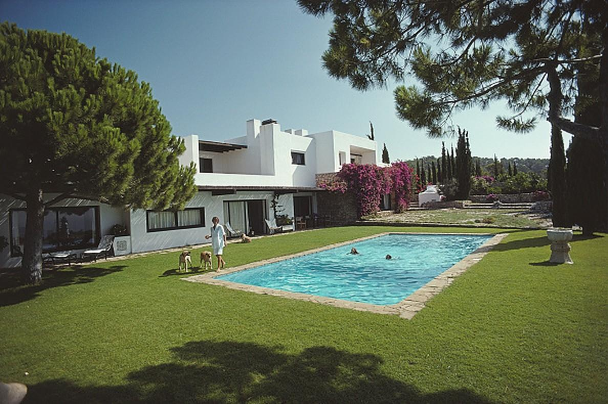 Roca Llisa - Slim Aarons, 20th century, Ibiza, Spain, Poolside, Glamour
