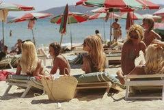 Saint-Tropez Beach Estate Edition Photograph (French Riviera, Red, Green, Ocean)