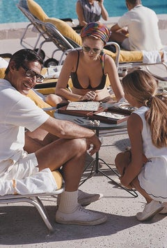 Scrabble in Palm Springs - Slim Aarons, 20th century, Palm Beach, Florida, Photo
