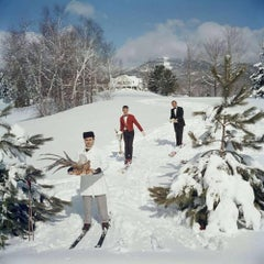Skiing Waiters, 1962 - Slim Aarons, 20th century, Winter sports, Snow scene