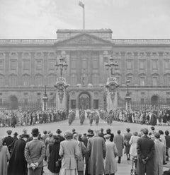Slim Aarons - Buckingham Palace - Estate Stamped