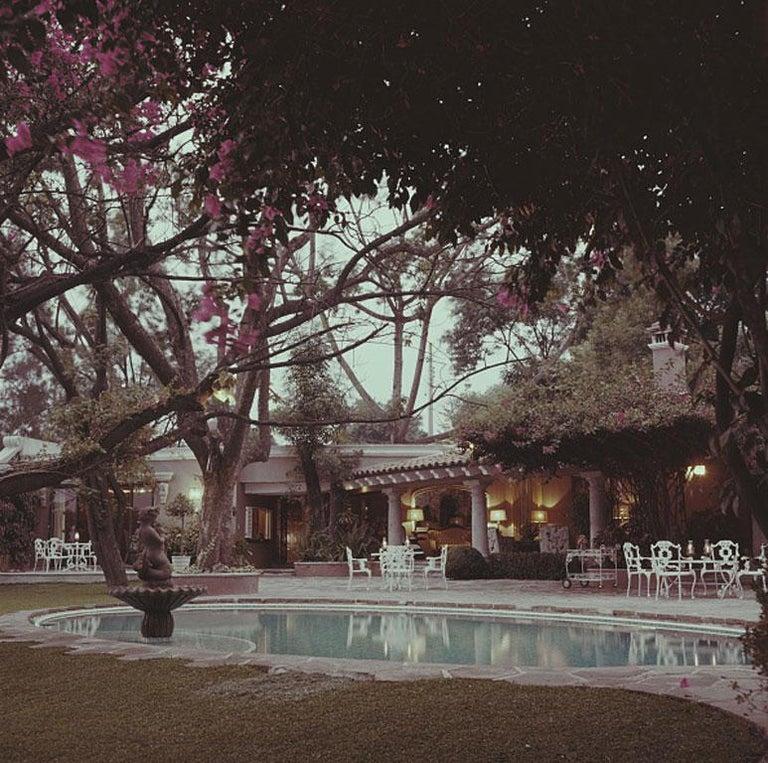 Slim Aarons, Bermuda Style (Slim Aarons Estate Edition) - Photograph by Slim Aarons