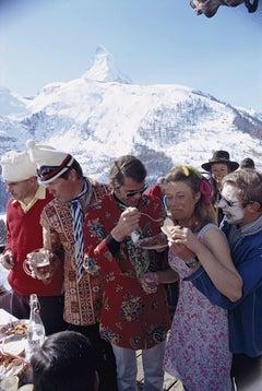 Slim Aarons Estate Edition - Apres Ski