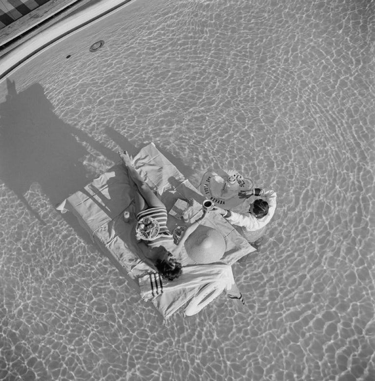 Slim Aarons Estate Print - Las Vegas Luxury 1954 - Oversize - Photograph by Slim Aarons