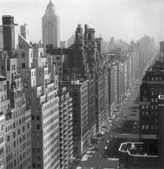 Slim Aarons Estate Print - Park Avenue 1953 - Oversize