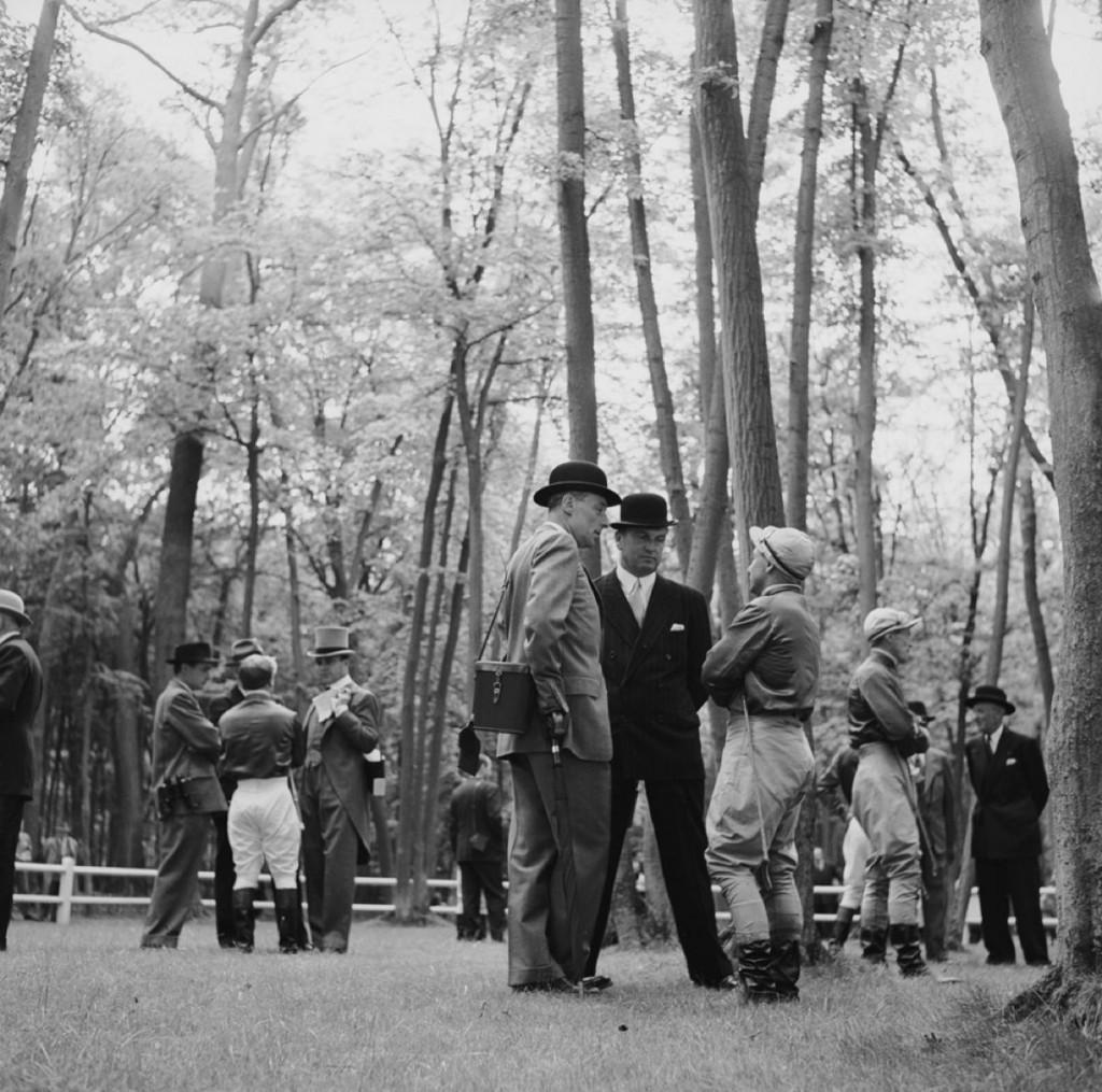 Slim Aarons Estate Print - Race Meeting 1950- Oversize