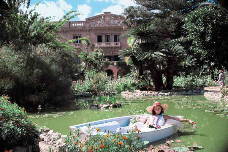 Slim Aarons, Fabrizia Lanza di Mazzarino (estate) - Photograph by Slim Aarons
