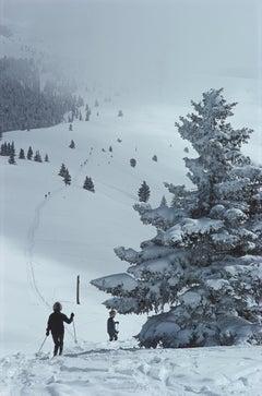 Slim Aarons, Skiing In Vail, 1964 (Slim Aarons Estate Edition)