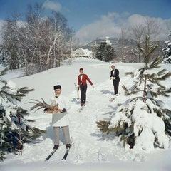 Slim Aarons, Skiing Waiters (Aarons Estate Edition)