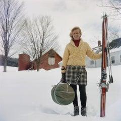 Slim Aarons, Skiing Waitress