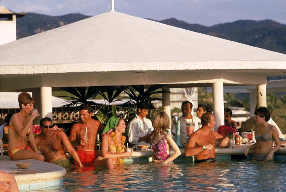 Villa Vera Racquet Club Pool - Slim Aarons, 20th century, Poolside, Ocean views