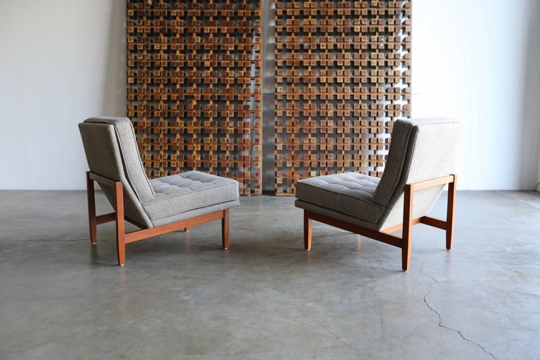 Slipper Lounge Chairs by Florence Knoll In Good Condition In Costa Mesa, CA