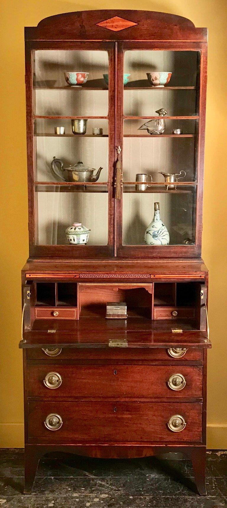 Small 18th Century Mahogany Secretaire Bookcase For Sale 6