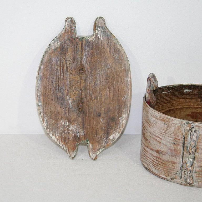 Small 18th Century Swedish Folk Art Bentwood Box For Sale 4