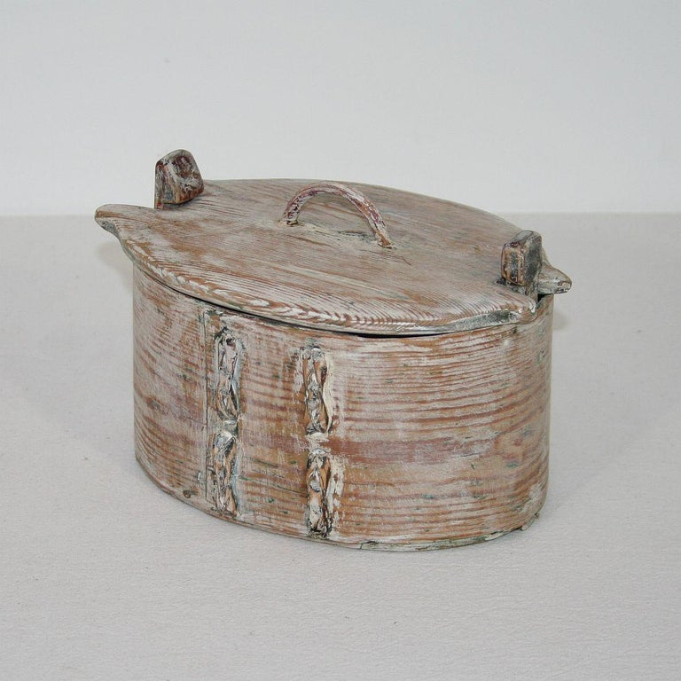 Beautiful Swedish bentwood box that once was used for storage. Real rare piece. Sweden, circa 1750. Weathered and small losses.