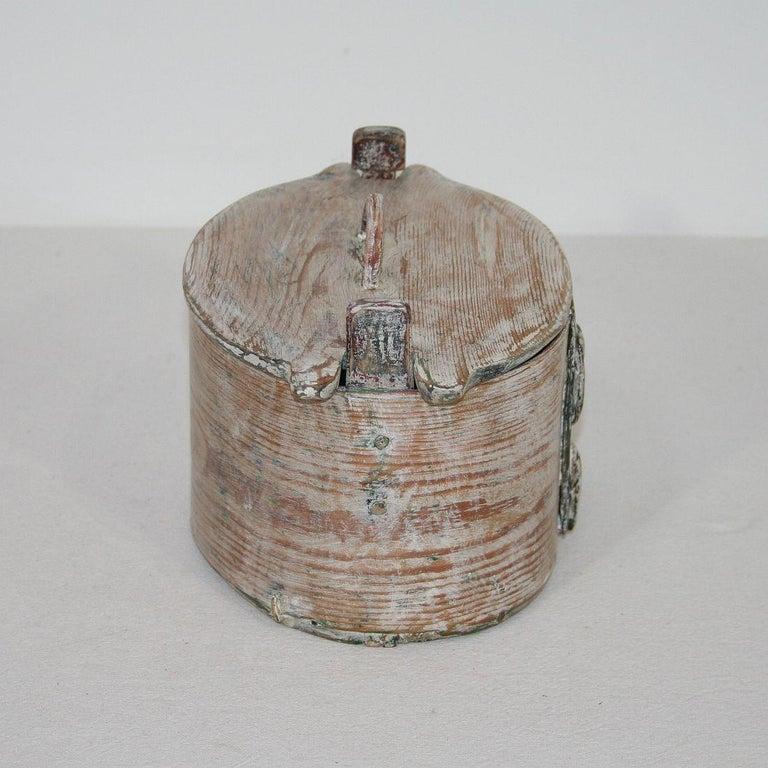 Small 18th Century Swedish Folk Art Bentwood Box For Sale 1