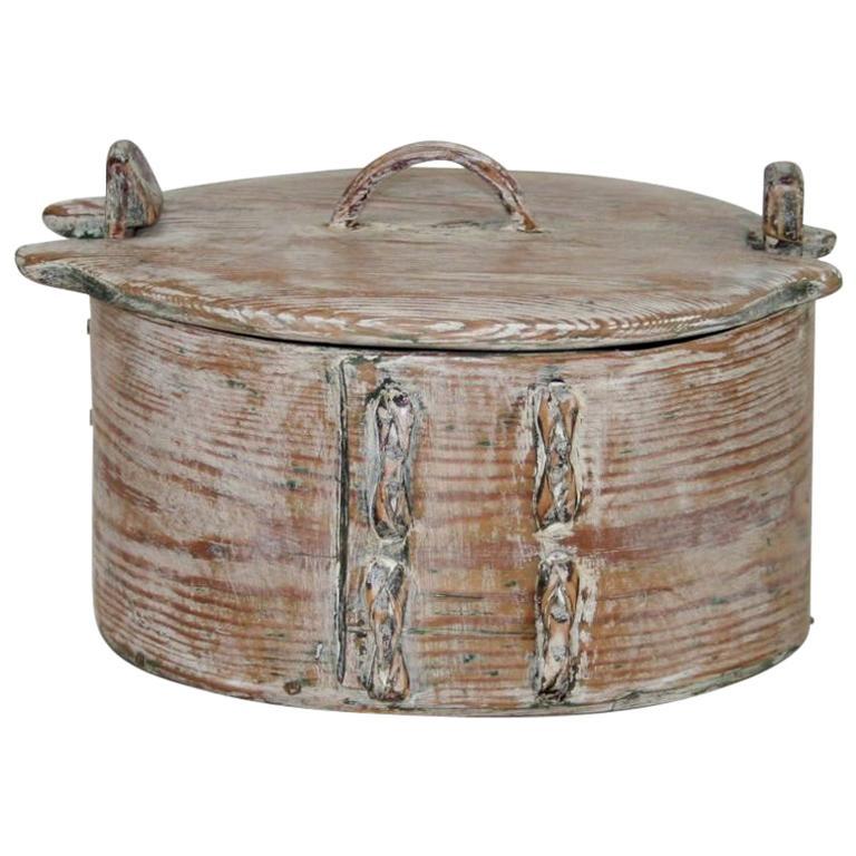Small 18th Century Swedish Folk Art Bentwood Box For Sale