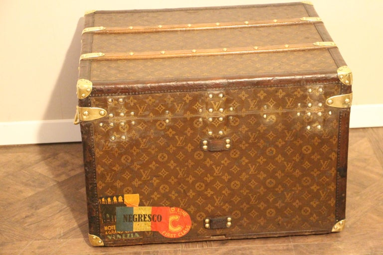 Small 1920s Louis Vuitton Monogram Steamer Trunk For Sale 5